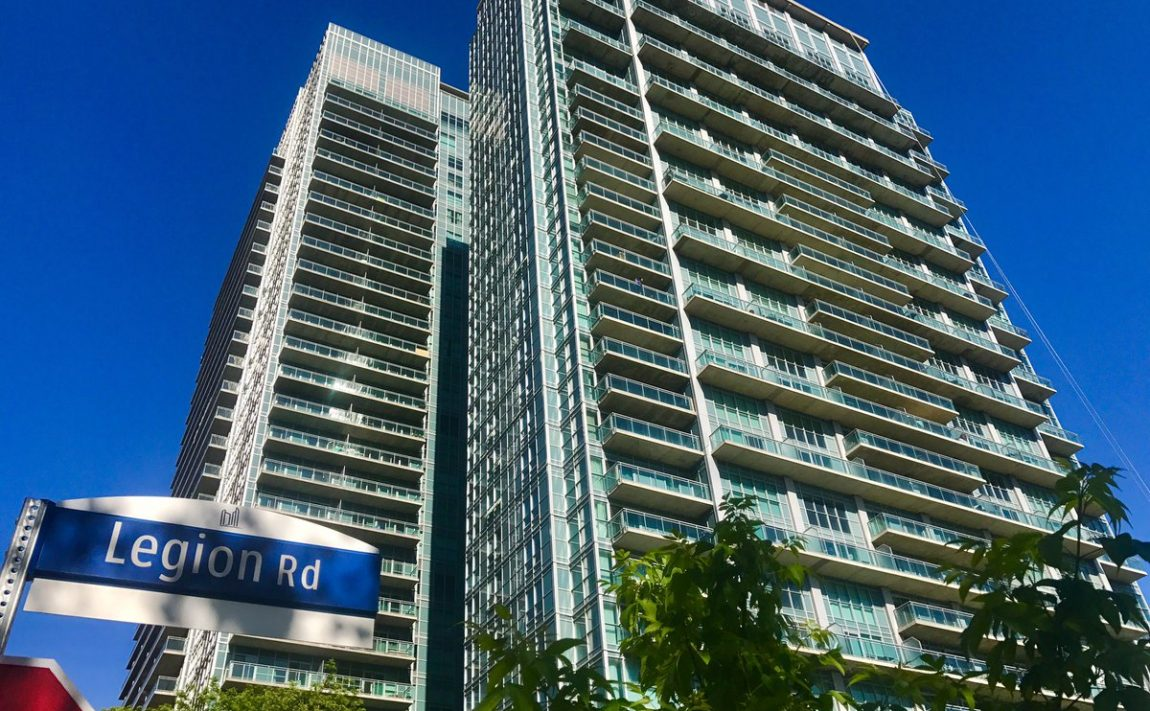 iLoft-at-Mystic-Pointe-Monthly-Featured-Condo-June-2017