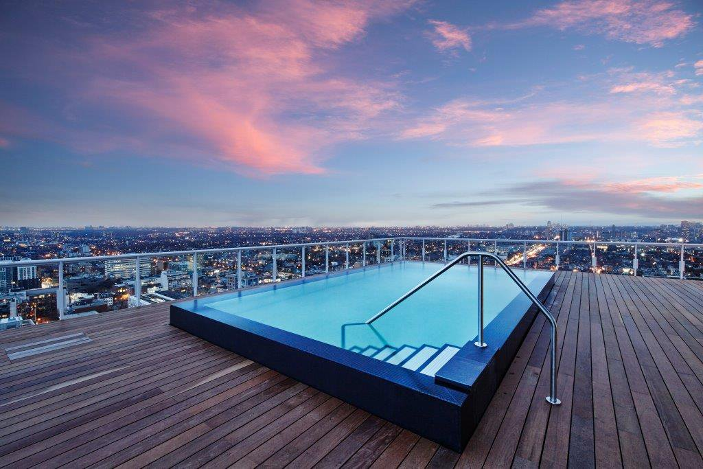 top-3-rooftop-pools-king-west-king-charlotte-condos