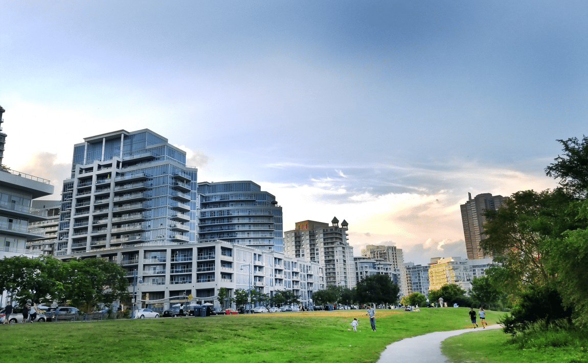 top-5-pet-friendly-condos-in-mimico-lakeshore-parklawn-condos-etobicoke-condos-for-sale-parklawnlife