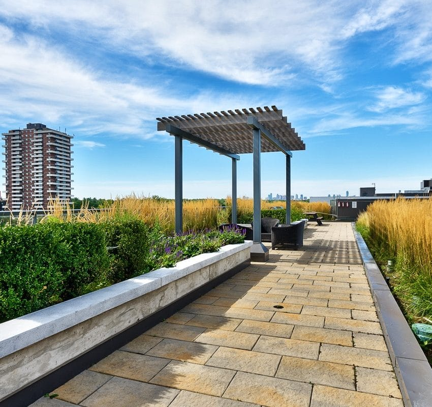1-hurontario-st-mississauga-north-shore-condo-port-credit-condos-terrace-bbq
