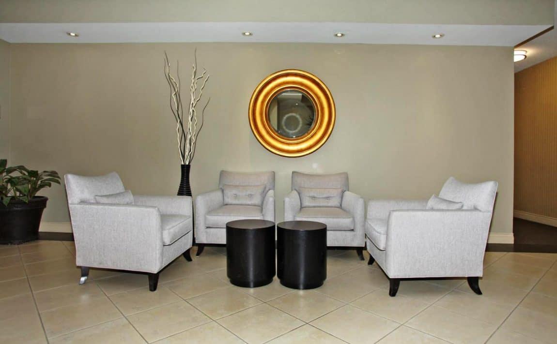 1000-king-st-w-toronto-massey-square-condos-king-west-condos-toronto-condos-entrance-lobby