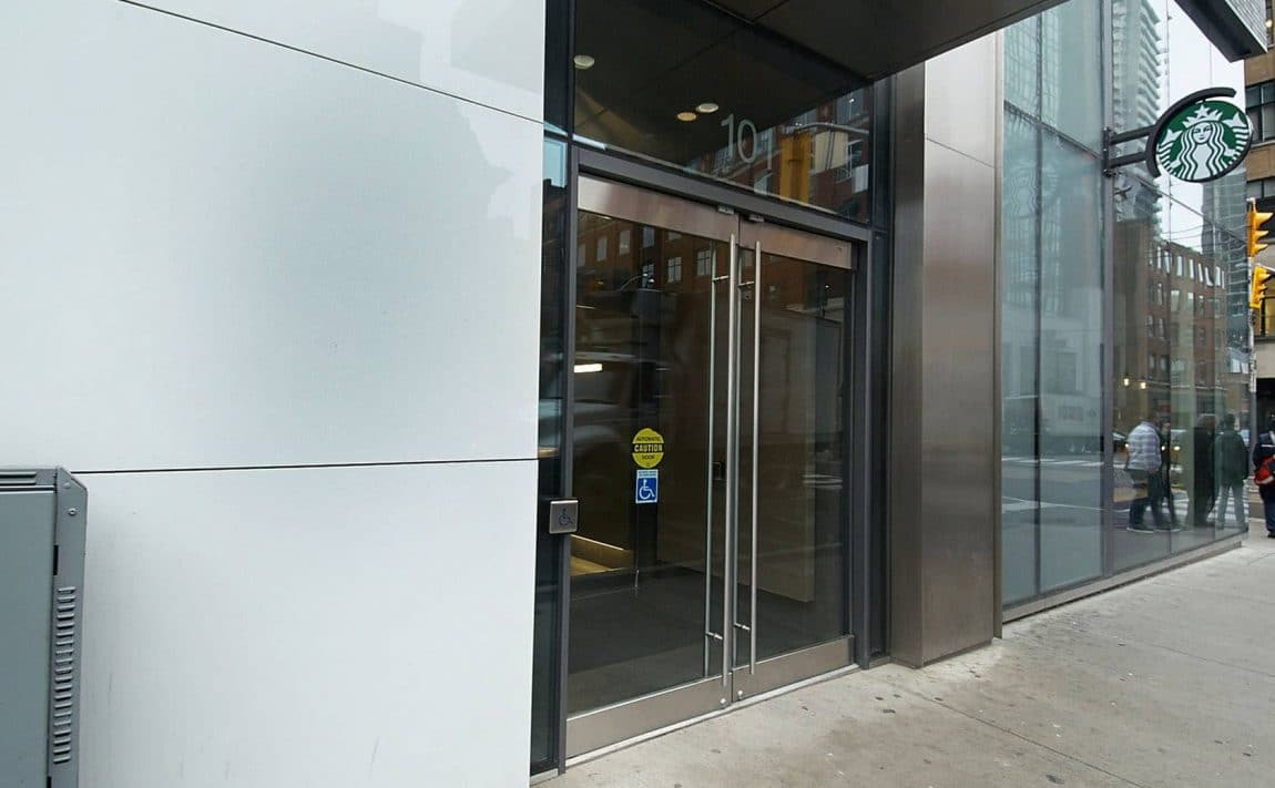101-peter-st-toronto-peter-street-condos-king-west-condos-toronto-condos-queen-west-condos-entrance-foyer-reception