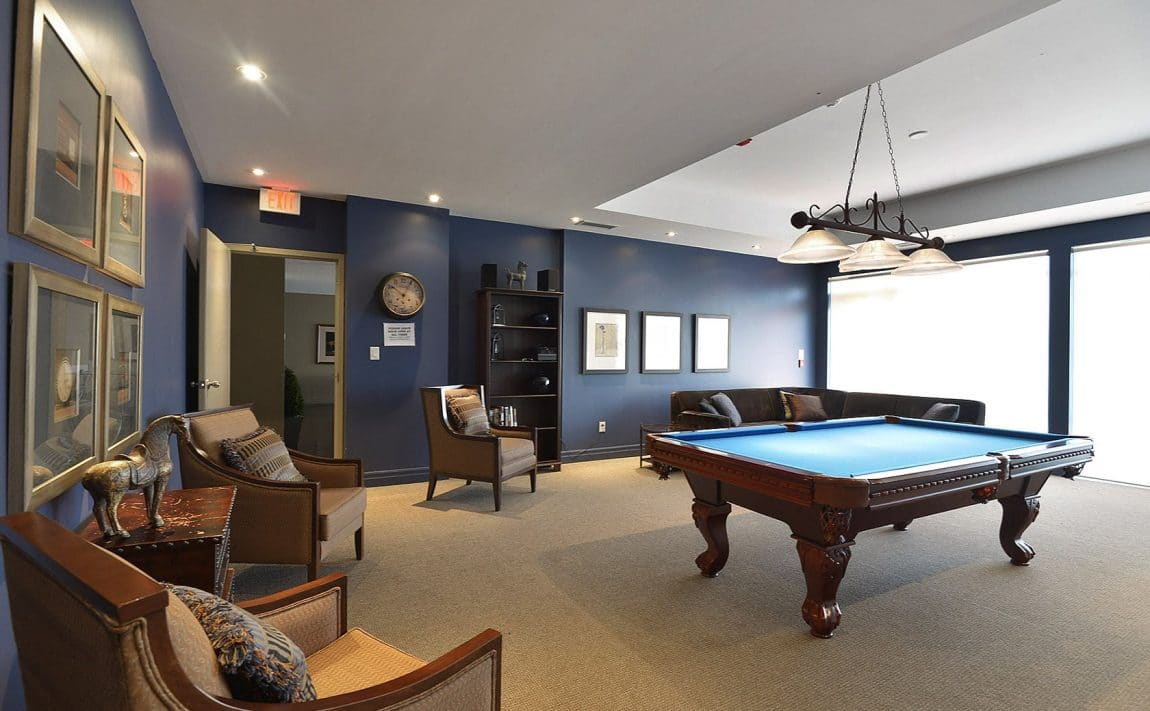15-stafford-st-condos-wellington-on-the-park-condos-toronto-king-west-condos-toronto-condos-billiards-games-room-party-room