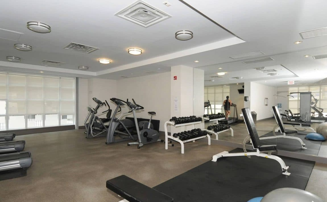 19-brant-st-toronto-23-brant-st-toronto-quad-lofts-king-west-gym