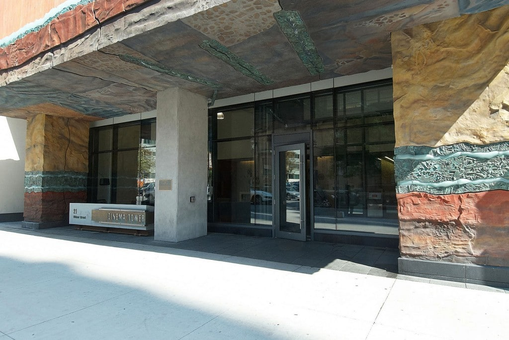 21-widmer-st-toronto-cinema-tower-condos-king-west-condos-toronto-condos-podium-entrance-front-door-1024x683