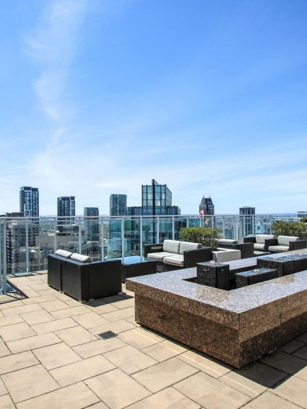 223-webb-dr-mississauga-onyx-condos-for-sale-rooftop-terrace