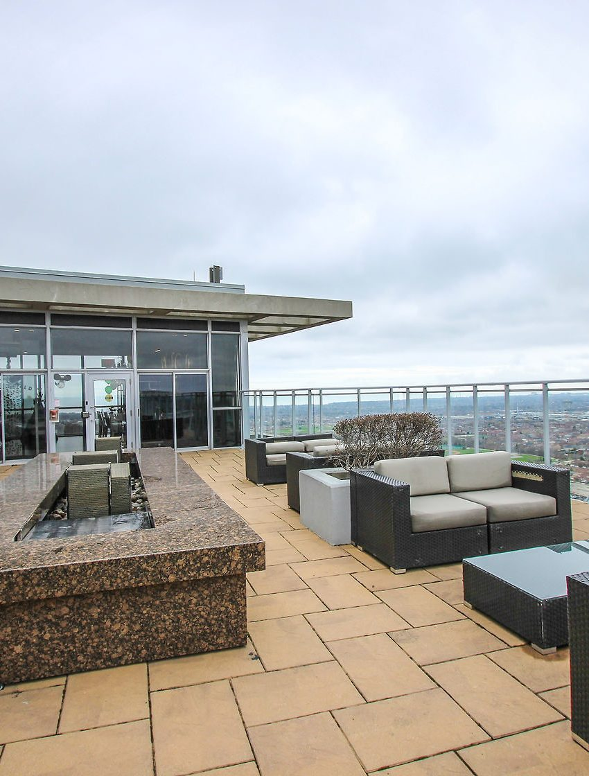 223-webb-dr-mississauga-onyx-condos-for-sale-rooftop-terrace-lounge