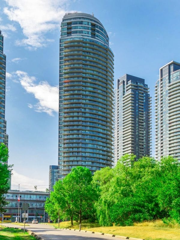 2230-lakeshore-blvd-w-beyond-the-sea-star-tower-condos-etobicoke-condos-lakeshore-parklawn