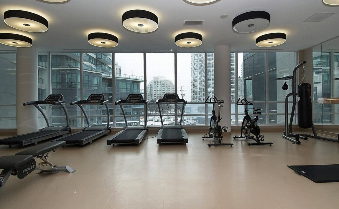 2230-lakeshore-blvd-w-toronto-beyond-the-sea-north-tower-condos-etobicoke-condos-parklawn-condos-gym-cardio