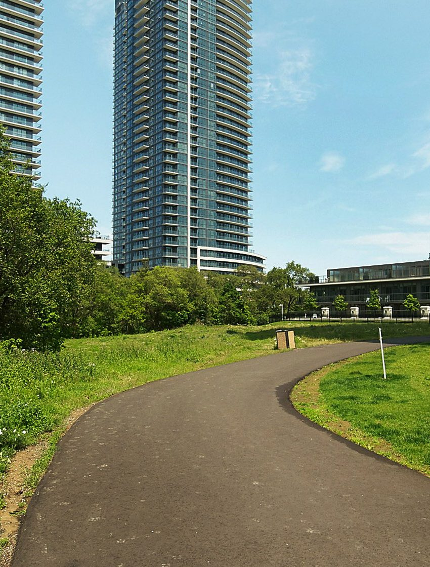 2230-lakeshore-blvd-w-toronto-beyond-the-sea-north-tower-condos-etobicoke-condos-parklawn-condos-outdoor-park