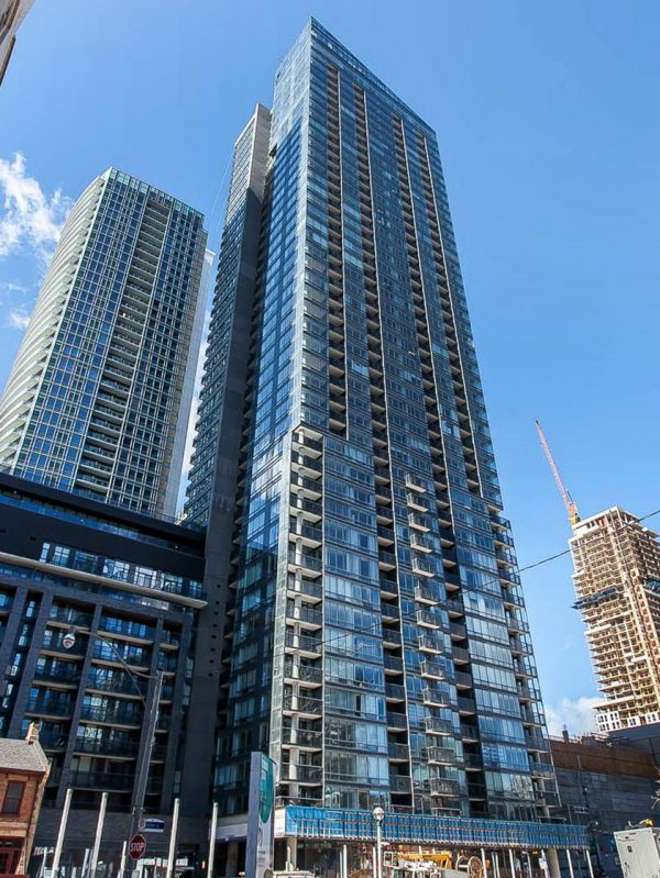 295-adelaide-st-w-toronto-pinnacle-on-adelaide-condos-toronto-condos-king-west-condos
