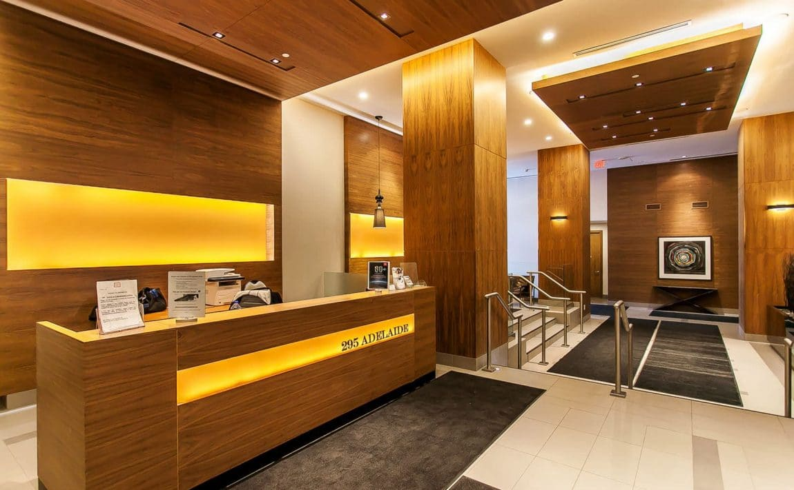 295-adelaide-st-w-toronto-pinnacle-on-adelaide-condos-toronto-condos-king-west-condos-lobby-concierge-reception