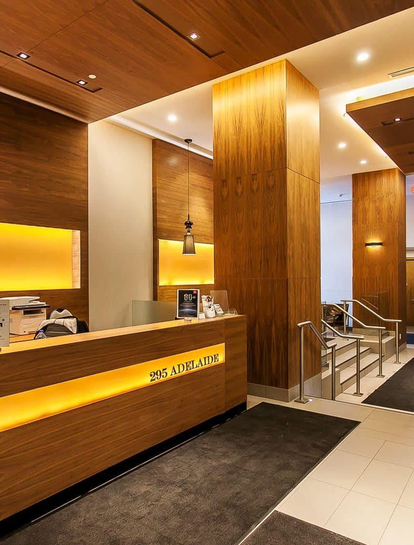 295-adelaide-st-w-toronto-pinnacle-on-adelaide-condos-toronto-condos-king-west-condos-lobby-concierge-reception