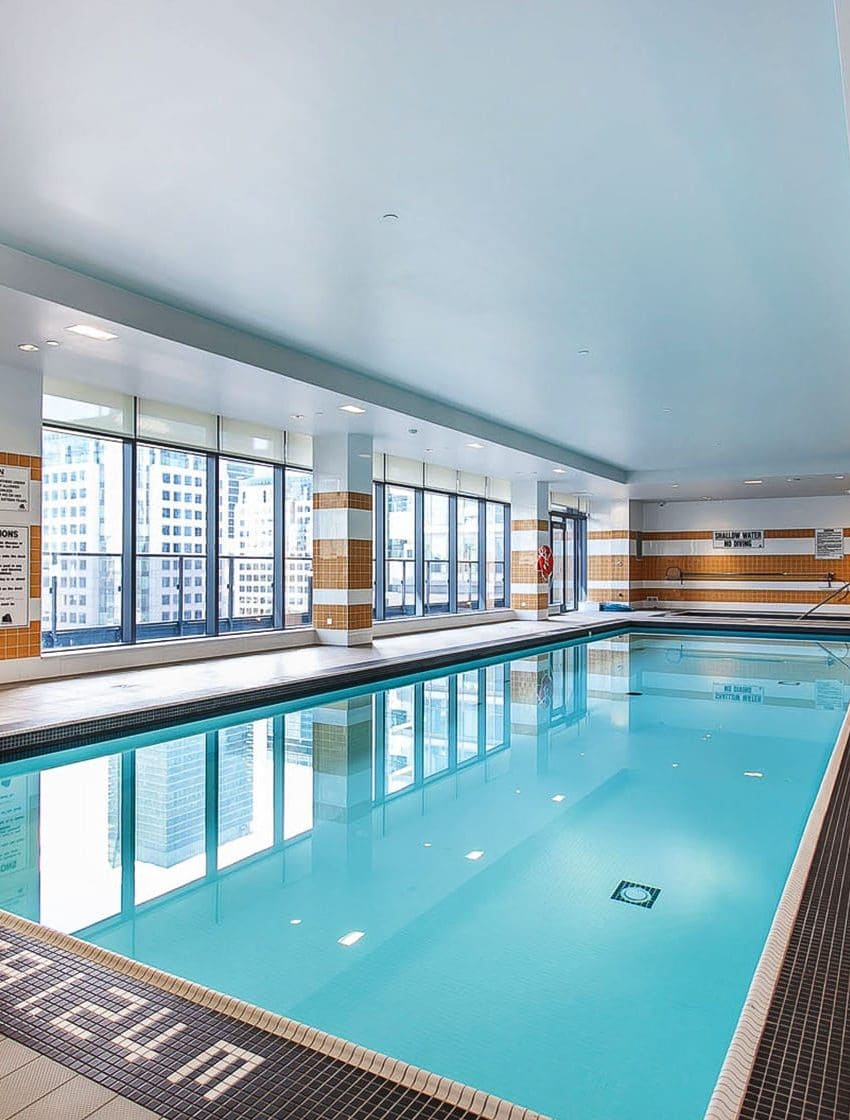 295-adelaide-st-w-toronto-pinnacle-on-adelaide-condos-toronto-condos-king-west-condos-swimming-pool