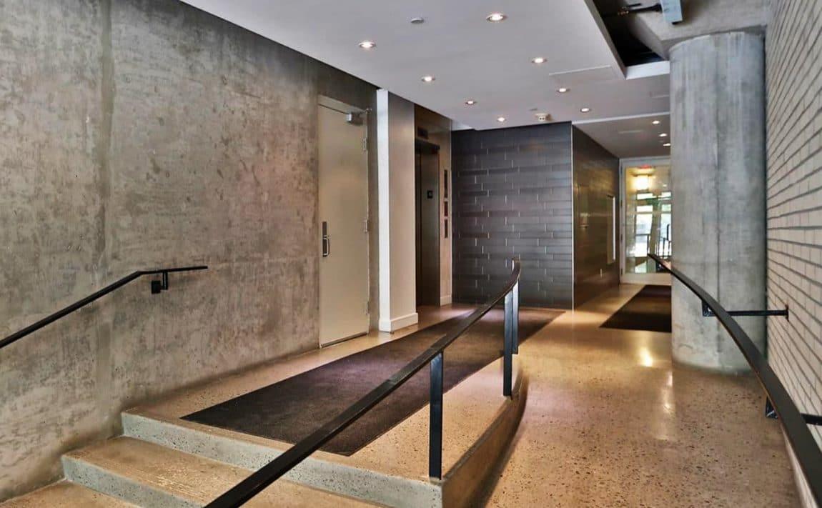 32-stewart-st-toronto-stewart-lofts-king-west-condos-king-west-lofts-toronto-condos-toronto-lofts-entrance-front-reception-foyer