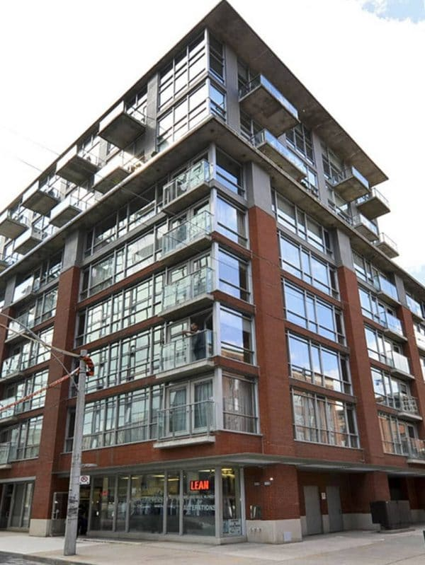 36-charlotte-st-toronto-charlotte-lofts-toronto-king-west-lofts-king-west-condos-toronto-condos-toronto-lofts-exterior-glass-brick