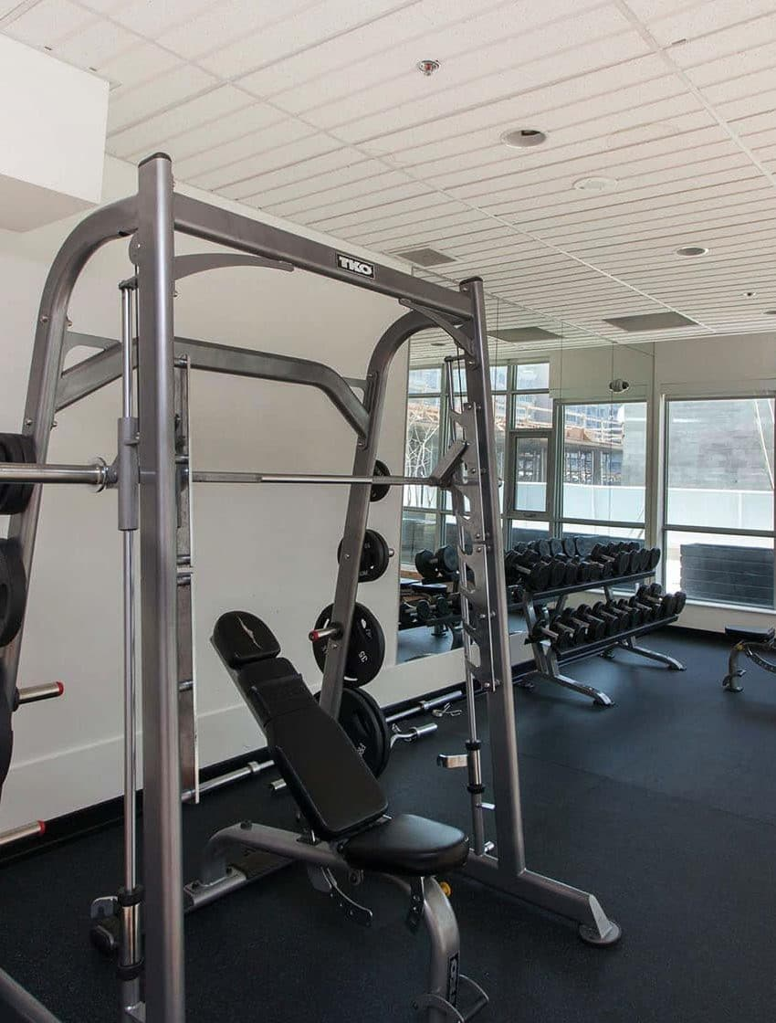 375-king-st-w-m5v-condos-toronto-condos-king-west-condos-gym-health-fitness-cardio-strength-training-yoga