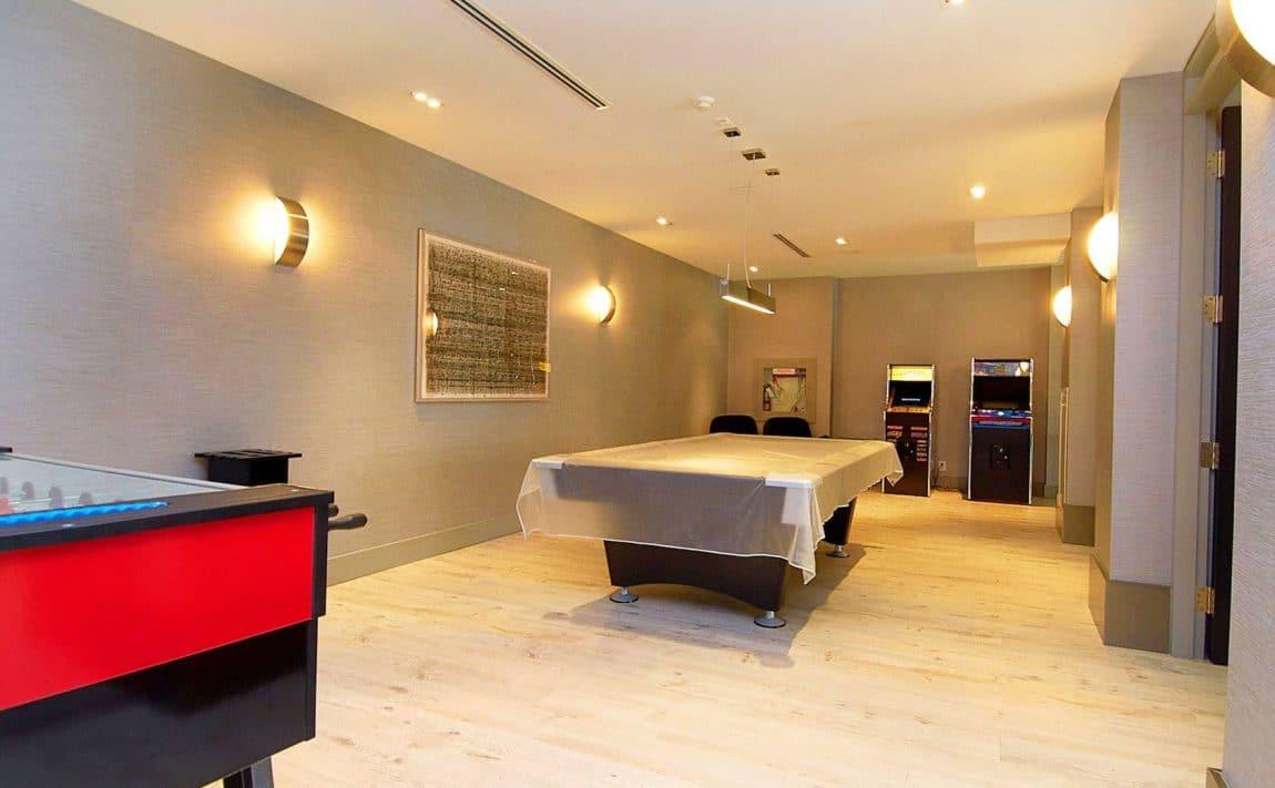 399-adelaide-st-w-toronto-lofts-399-king-west-lofts-toronto-lofts-king-west-condos-399-lofts-games-room-entertainment-amenities