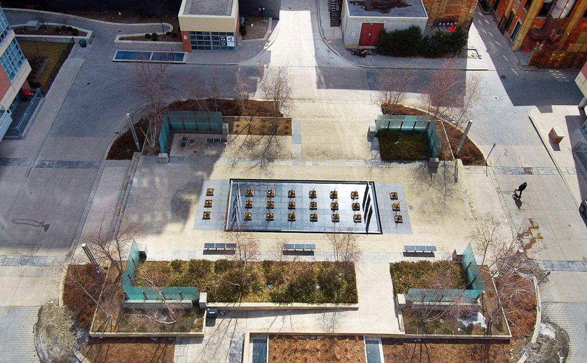 399-adelaide-st-w-toronto-lofts-399-king-west-lofts-toronto-lofts-king-west-condos-courtyard-outdoor-space