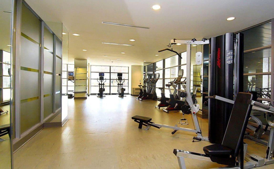 399-adelaide-st-w-toronto-lofts-399-king-west-lofts-toronto-lofts-king-west-condos-gym-health-fitness-weights