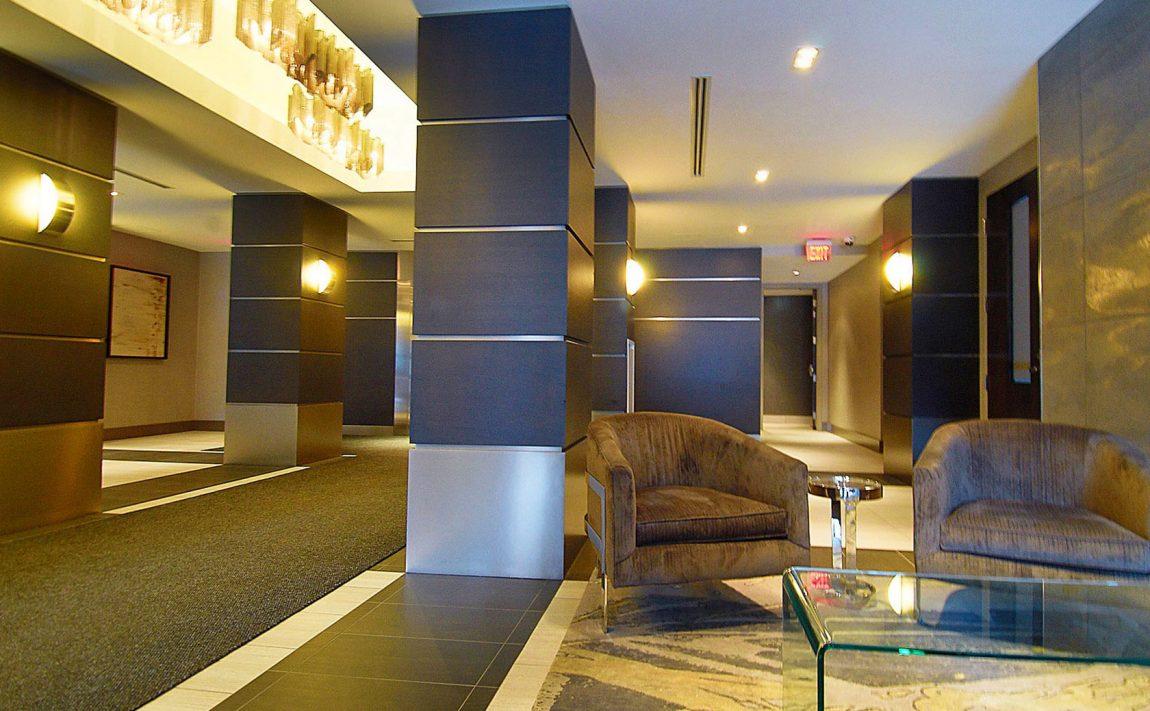 399-adelaide-st-w-toronto-lofts-399-king-west-lofts-toronto-lofts-king-west-condos-reception-entrance-sitting-area-foyer