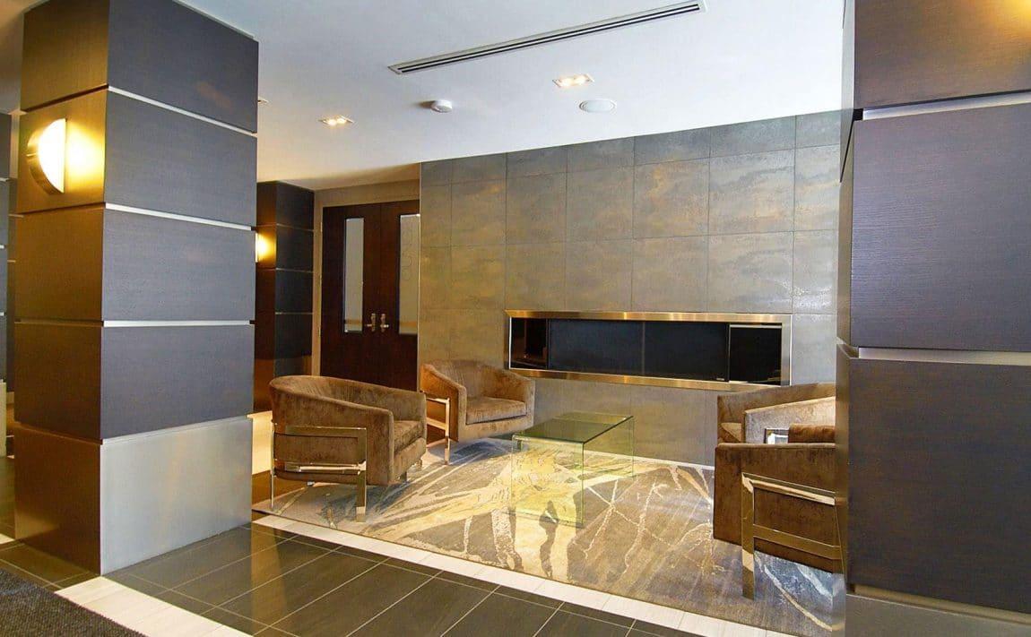 399-adelaide-st-w-toronto-lofts-399-king-west-lofts-toronto-lofts-king-west-condos-reception-entrance-sitting-area-foyer-concierge-visitors-lounge