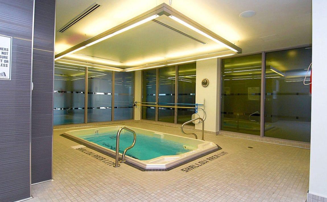 399-adelaide-st-w-toronto-lofts-399-king-west-lofts-toronto-lofts-king-west-condos-resistance-pool-swimming
