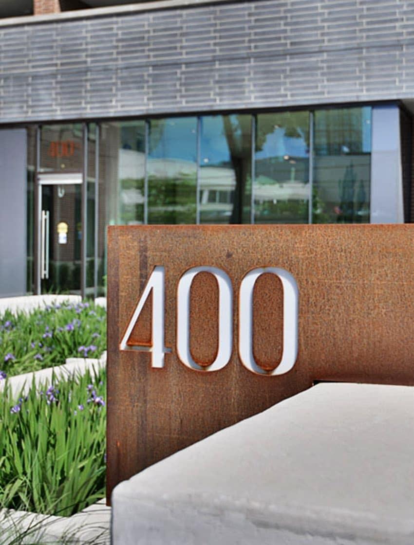 400-wellington-st-w-toronto-400-wellington-condos-king-west-condos-toronto-condos-entrance-address
