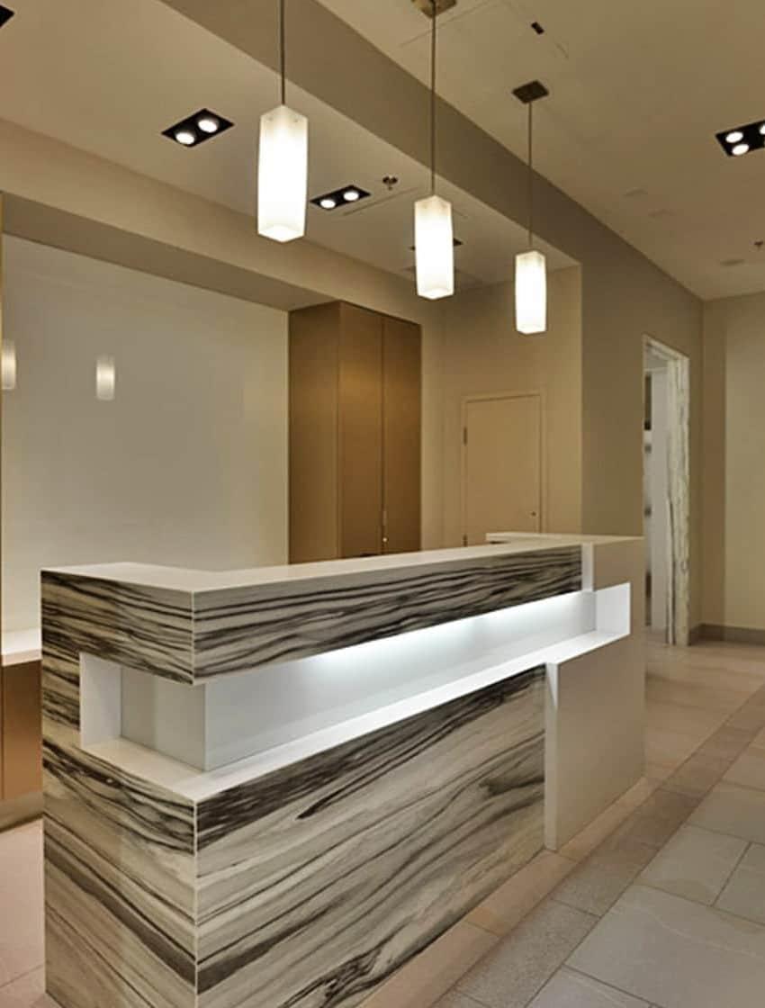 400-wellington-st-w-toronto-400-wellington-condos-king-west-condos-toronto-condos-front-lobby-entrance-concierge-reception