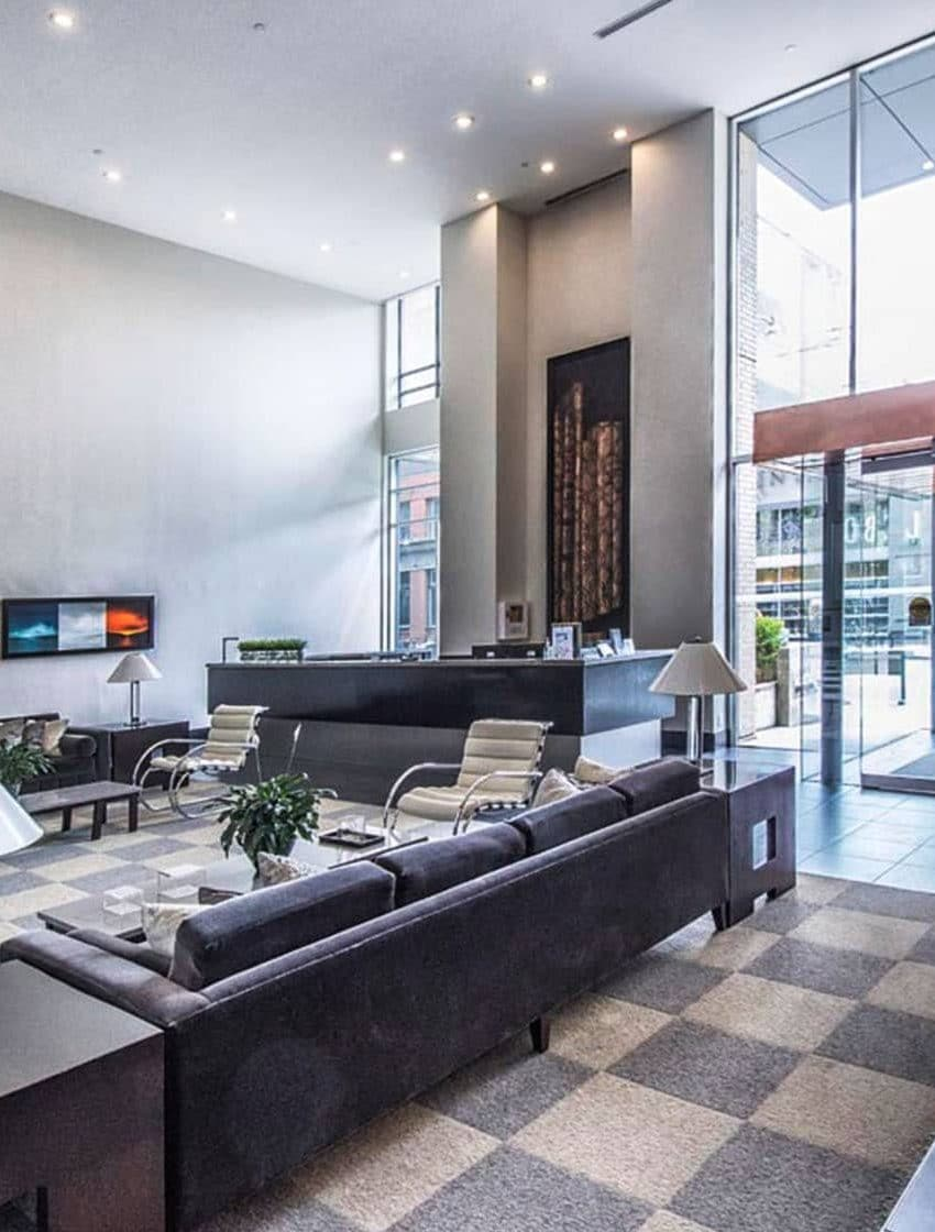 438-king-st-w-toronto-hudson-condos-toronto-condos-king-west-condos-front-entrance-door-lobby-foyer-reception-visitor-waiting-area-concierge