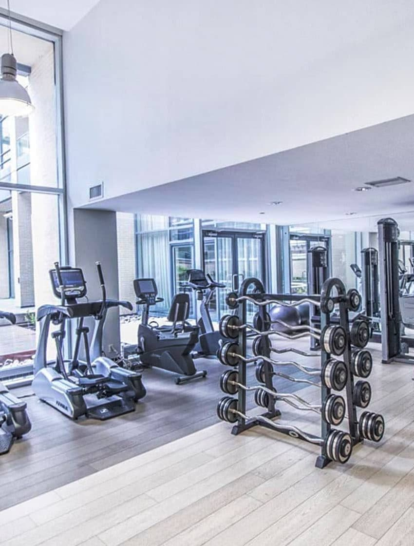 438-king-st-w-toronto-hudson-condos-toronto-condos-king-west-condos-gym-health-fitness-cardio-yoga-strength-training
