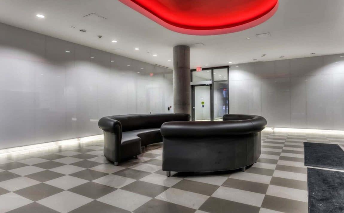 560-king-st-w-toronto-fashion-house-condos-461-adelaide-st-w-toronto-lobby