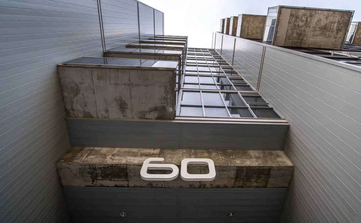 60-bathurst-st-toronto-60-niagara-st-toronto-sixty-loft-king-west-condos-king-west-lofts-sixty-lofts-condos-entrance