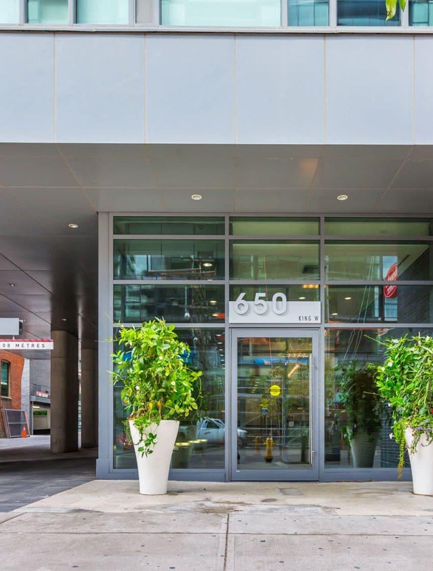 650-king-st-w-toronto-95-bathurst-st-toronto-six50-condos-six50-lofts-king-west-condos-entrance-front-door-lobby