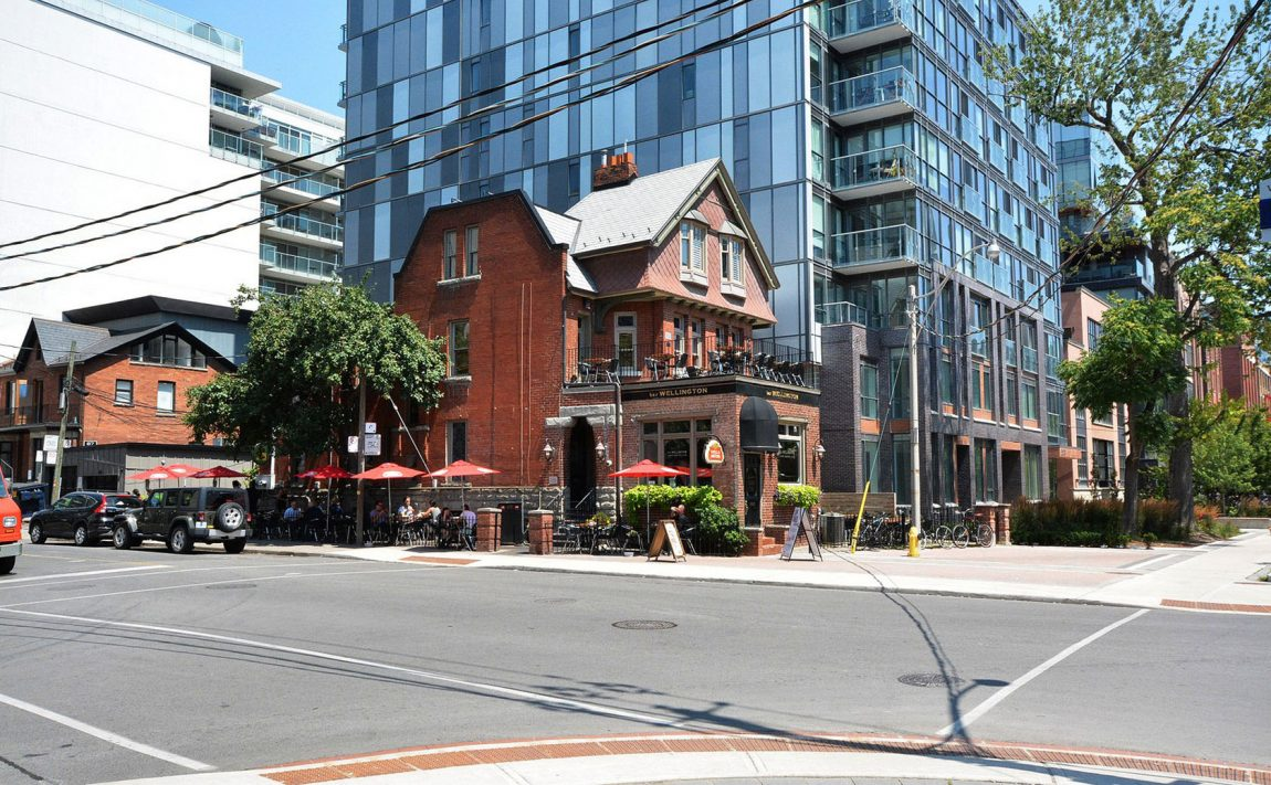 66-portland-st-toronto-66-portland-condos-king-west-condos-king-west-lofts-toronto-condos-local-neighbourhood-bars-restaurants