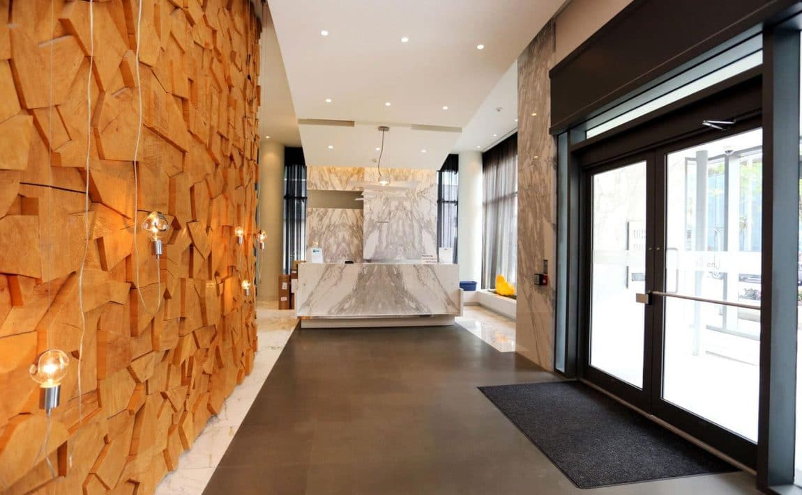 8-charlotte-st-toronto-charlie-condos-great-gulf-king-west-condos-toronto-condos-lobby-foyer-reception-concierge-security