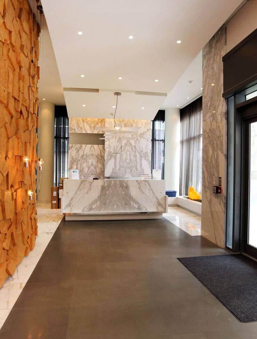 8-charlotte-st-toronto-charlie-condos-great-gulf-king-west-condos-toronto-condos-lobby-foyer-reception-concierge-security