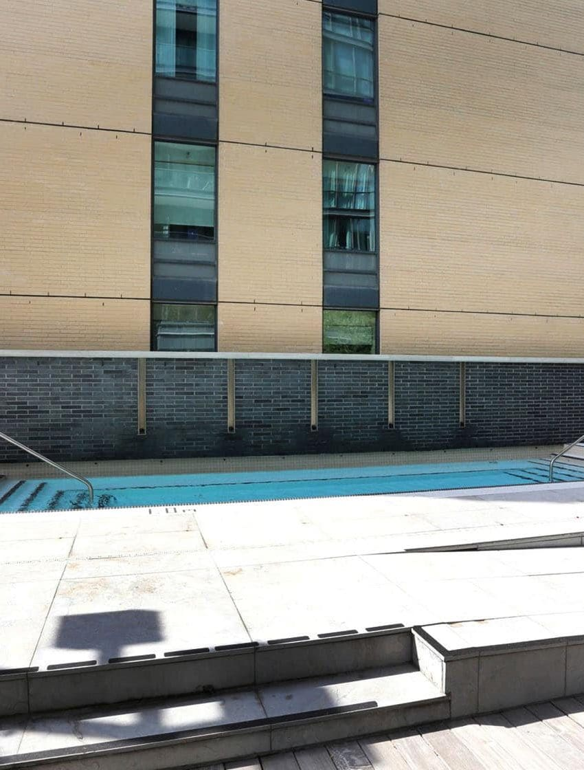 8-charlotte-st-toronto-charlie-condos-great-gulf-king-west-condos-toronto-condos-outdoor-swimming-pool-amenities