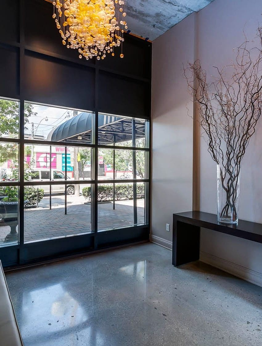 833-king-st-w-toronto-west-833-lofts-toronto-west-833-condos-toronto-king-west-condos-entrance-foyer-reception