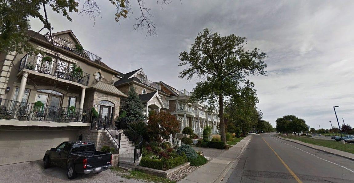 bronte-village-oakville-homes-south-west-oakville-luxury-real-estate