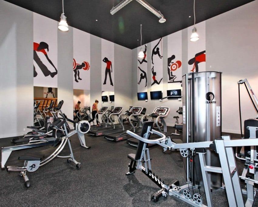 dna-3-condo-1030-king-st-w-condos-king-west-condos-toronto-condos-gym-cardio-fitness-yoga-strength-training-1024x683