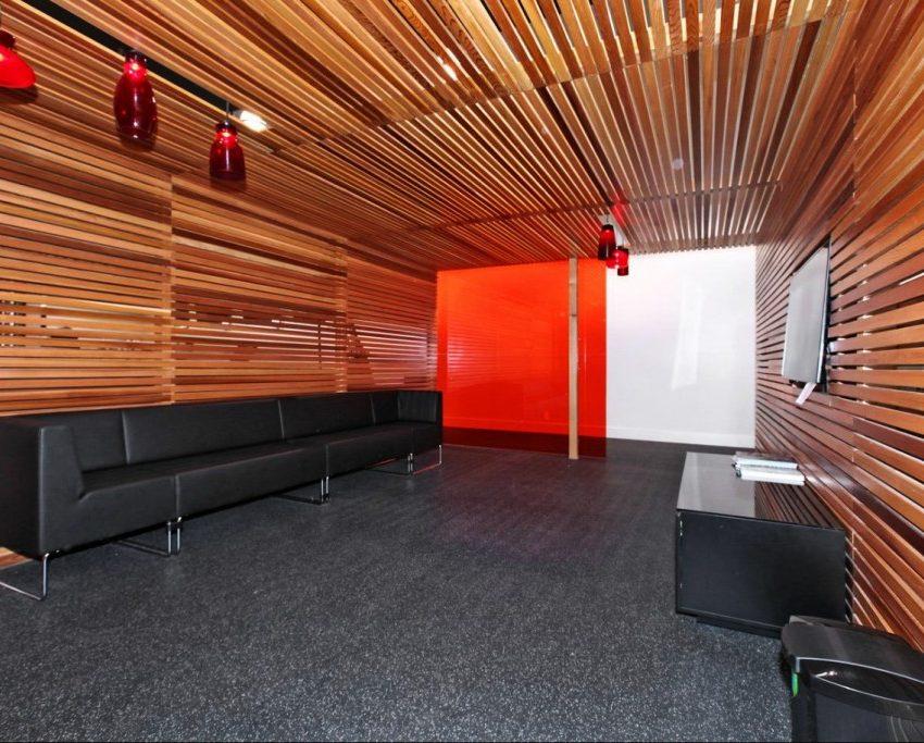 dna-3-condo-1030-king-st-w-condos-king-west-condos-toronto-condos-gym-lounge-television-1024x683