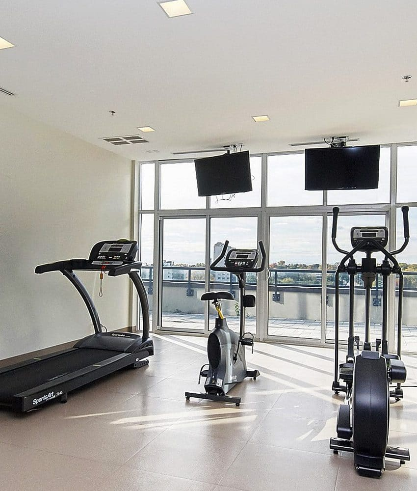 eleven-superior-condos-11-superior-ave-toronto-etobicoke-condos-mimico-condos-toronto-condos-gym-cardio-amenities-health-fitness