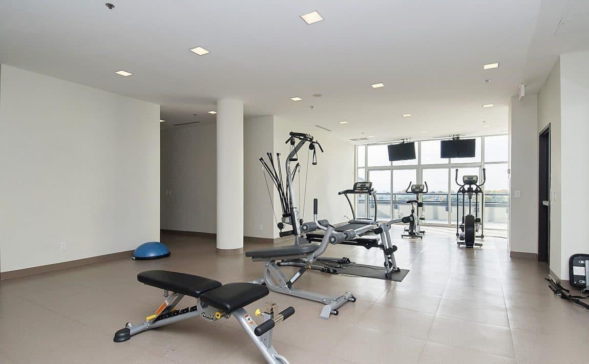 eleven-superior-condos-11-superior-ave-toronto-etobicoke-condos-mimico-condos-toronto-condos-gym-cardio-amenities-health-fitness-streng