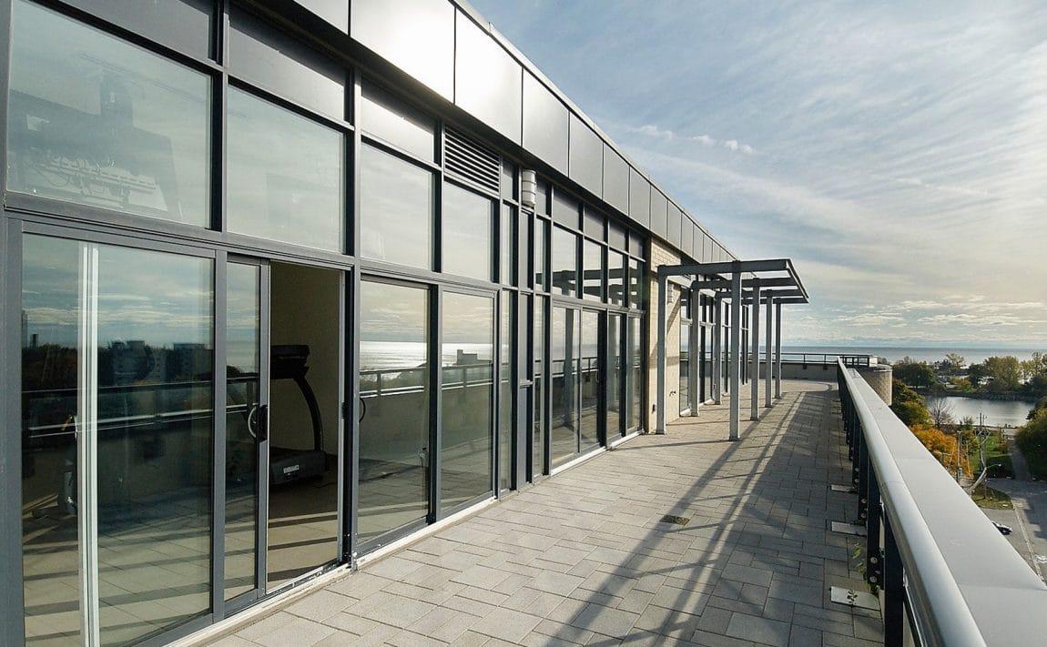 eleven-superior-condos-11-superior-ave-toronto-etobicoke-condos-mimico-condos-toronto-condos-rooftop-terrace-outdoor-patio-rooftop-pati