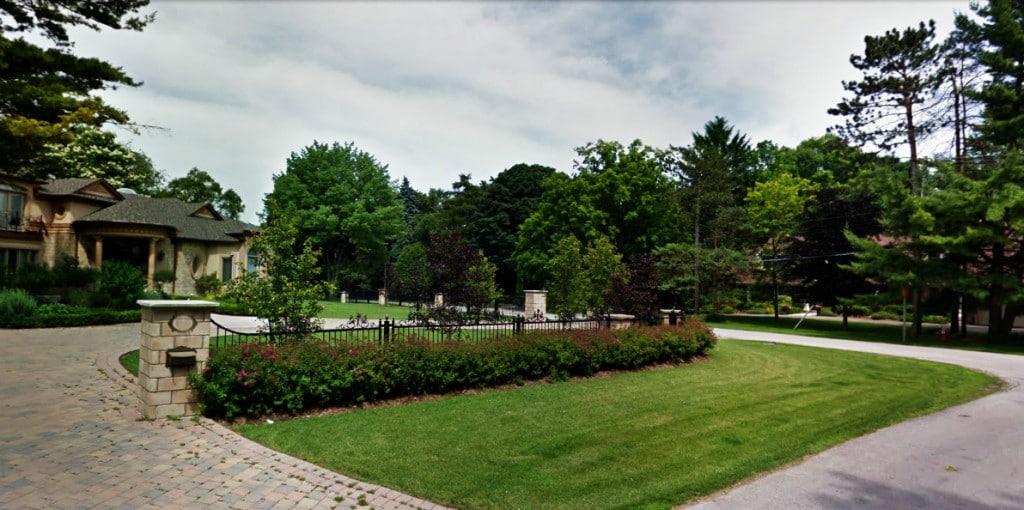 lorne-park-homes-tecumseh-park-dr-lorne-park-real-estate