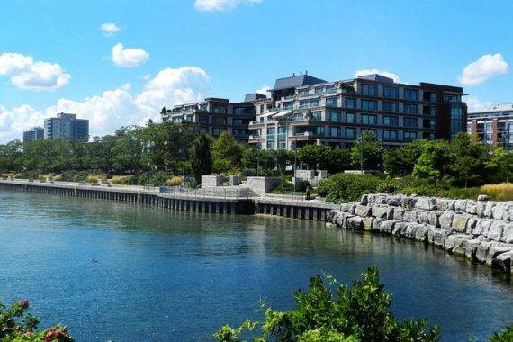 port-credit-homes-for-sale-lakefront-port-credit-village-real-estate-port-credit-condos-lakeside-condos