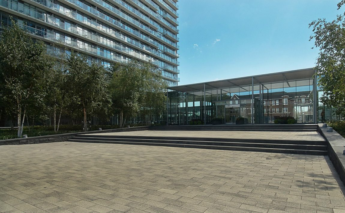 105-the-queensway-nxt-condos-toronto-etobicoke-condos-mimico-condos-entrance-front-area
