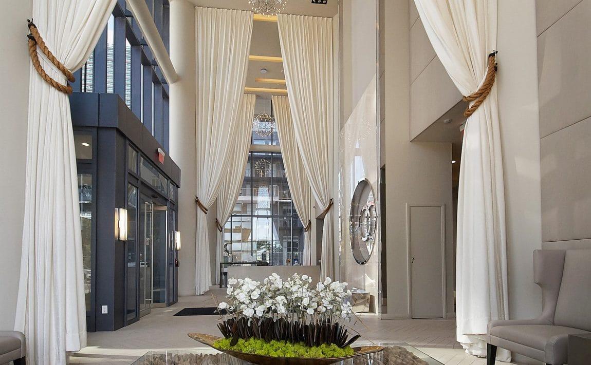 59-annie-craig-dr-toronto-ocean-club-waterfront-condos-etobicoke-condos-humber-bay-condos-lakeshore-parklawn-condos-entrance-lobby-foyer-concierge-reception