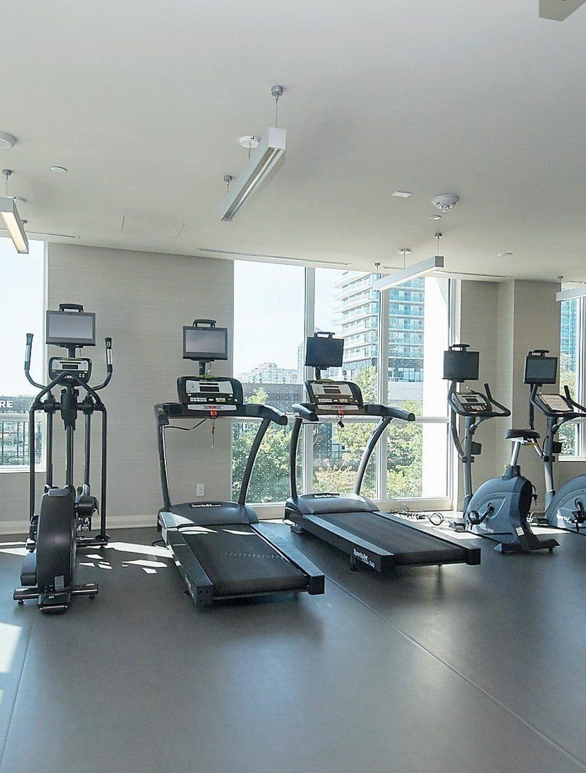 59-annie-craig-dr-toronto-ocean-club-waterfront-condos-etobicoke-condos-humber-bay-condos-lakeshore-parklawn-condos-gym-cardio-fitness